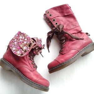 DOC MARTENS • Triumph red floral lace-up boots